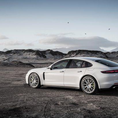 2018-Porsche-Panamera-4-E-Hybrid-5